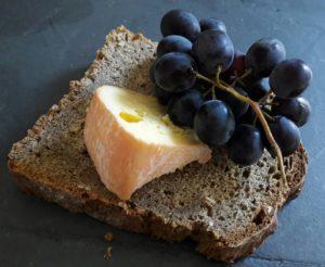 pain-fromage-raisin